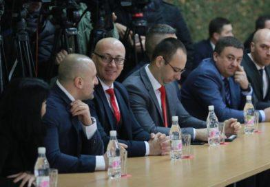 POBEDA SRBA: Kandidati Srpske liste IDU NA IZBORE
