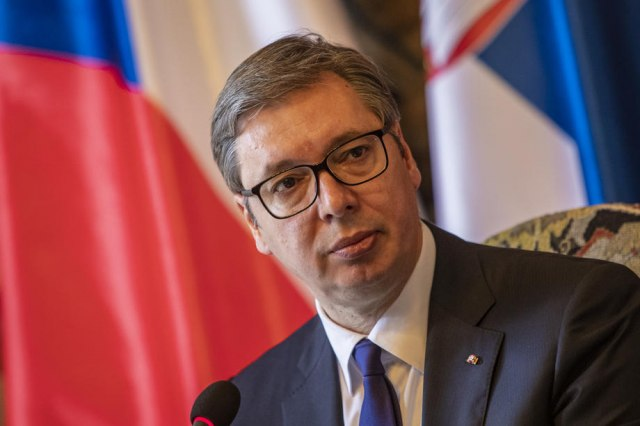 Vučić: Sa Lajčakom o teškoj krizi na KiM
